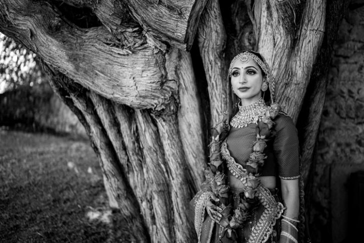 balck and white bridal portrait | indian couple photoshoot | indian bridal portrait | red chooda bridal wear accessories | Destination wedding in Italy & Red Sabyasachi lehenga sikh wedding nri indian weddings #wittyvows #indianbride