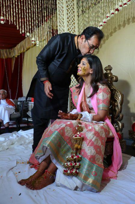 father daughter moment | mehendi | haldi function | weddings in delhi | yellow outfit #mehendi #henna #haldi #wittyvows