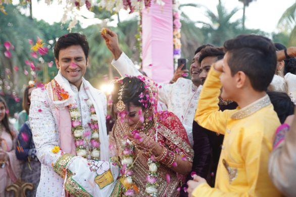 candid varmala photos   indian wedding photos   Prettiest Mumbai Wedding
