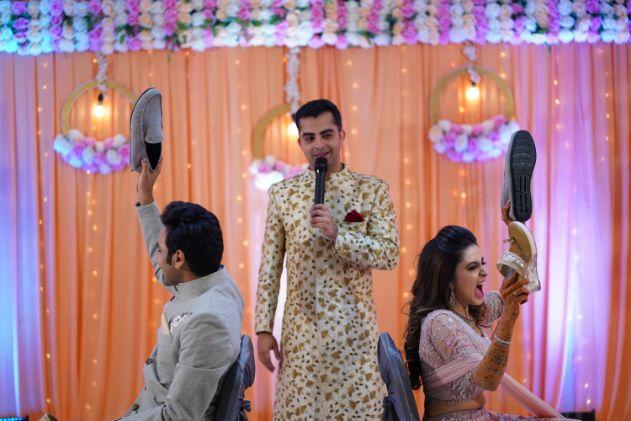 indian wedding games | indianw edding photography