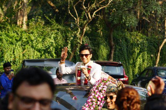 groom entry | indian wedding | indian wedding photos | Prettiest Mumbai Wedding