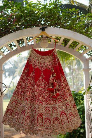 wedding outfit photography   lehenga photography ideas   Prettiest Mumbai Wedding