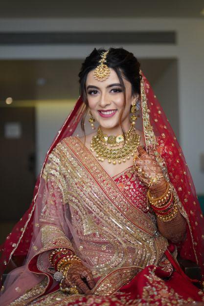 stunning indian bridal poses   wedding day look   Prettiest Mumbai Wedding