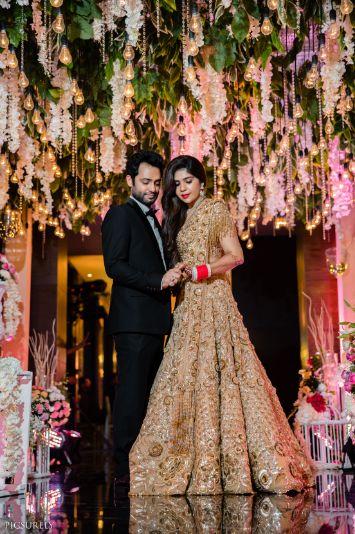 indian wedding Mumbai wedding | Manish Malhotra Lehenga  reception Outfit  | chooda designs  indian couple |  #wittyvows #indianwedding