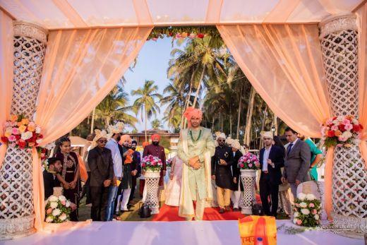 indian groom photo shoot ideas