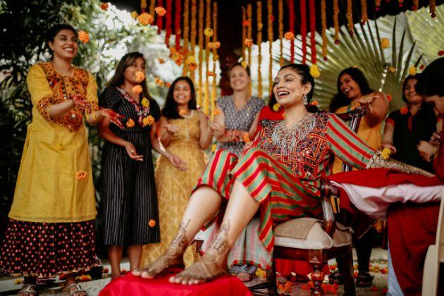 haldi with bff , indian bridesmaid , indian girl gang , bridesmaid at haldi , best friends wedding , indian bridesmaid , wittyvows