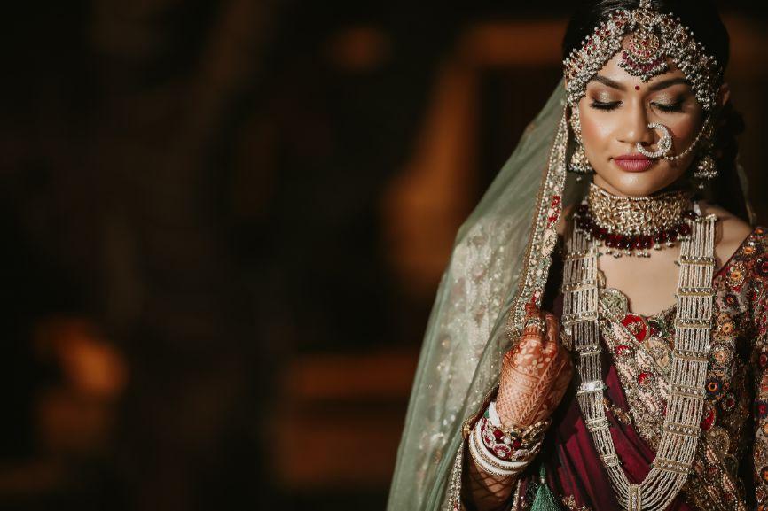 bridal portraits and photography , indian wedding , lehega , wedding lehenga , Gujrati bride , Pretty wedding decor