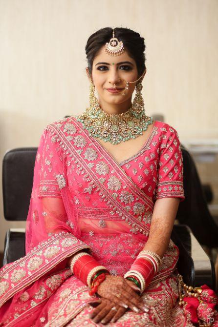 inidnan birdal portrait   red lehenga   red chooda   delhi wedding , summer wedding , mehendi look