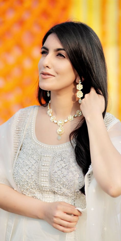 indian bride , white suit , pearl outfit , bridal trends , wittyvows , india wedding , indian bride , sikh bride , lehenga , bridal lehenga ,Punjabi wedding | orange lehenga |bridal accessories | wedding jewellery