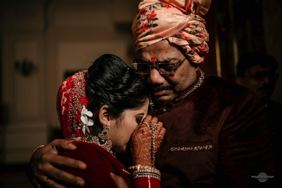 father daughter , indian bridal entry , dancing bride , Destination wedding \ wedding in Jodhpur | Colourful mehendi ideas