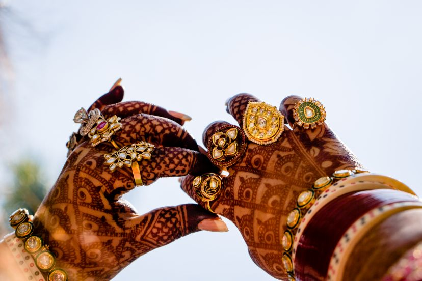 bridal detail , Sabyasachi bride - wedding hairstyle- bridal dupatta