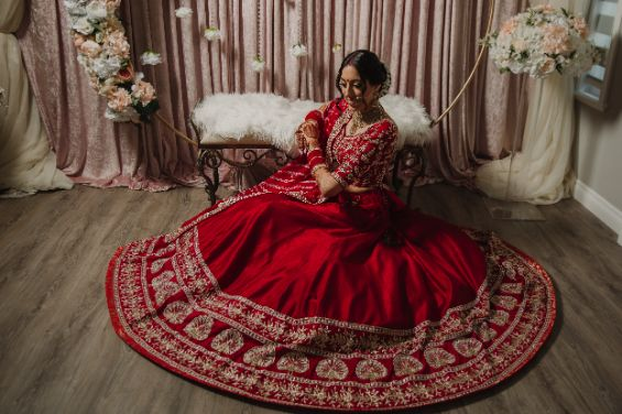 bridal portrait , indian wedding , sikh wedding , red chooda , wedding blog , intimate wedding