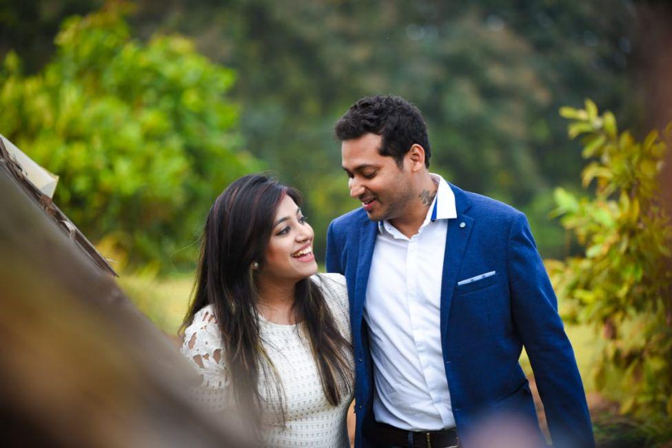 ocean pre wedding , indian wedding , indian wedding 2020 , small weddings , real bengali wedding , Bengali wedidng | traditional wedding | wedding details