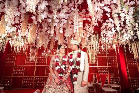indian wedding décor | couple photography ideas | Beach Wedding in Alibaugh
