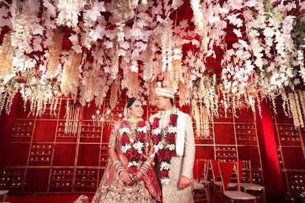 indian wedding décor | couple photography ideas | Beach Wedding in Alibaugh