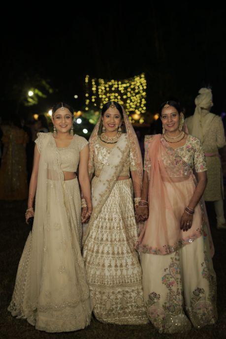 photo with mother and sister of the bride | Intimate Wedding in Jim Corbett