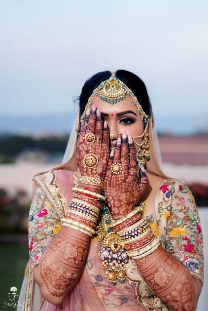 wedding photography ideas | mehendi shots of a bride | Beach Wedding in Alibaugh