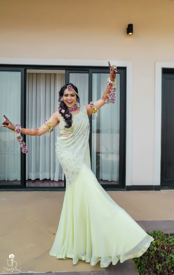 dancing bride | bridal outfit | indian wedding diarires