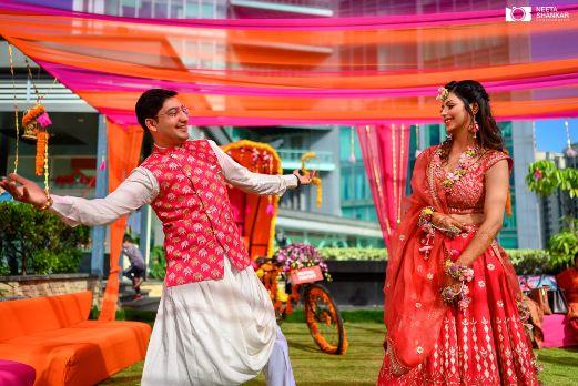 indian wedding poses | candid wedding photography
