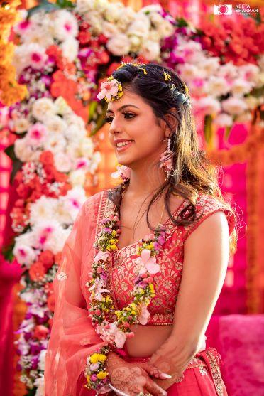 candid captures | indian wedding | indian mehendi | indian bride |