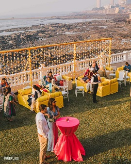 Outdoor weddings | Minimal decor | Small weddings