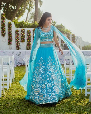 Masoom Minawala | Sangeet outfit | Attached dupatta | Abu jani sandeep khosla