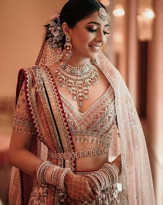Bridal portrait in traditional jewellery
