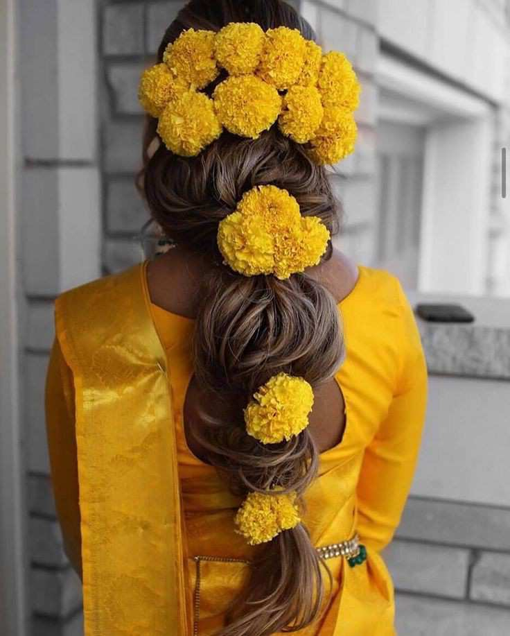 bridal hairstyle | floral jewellery