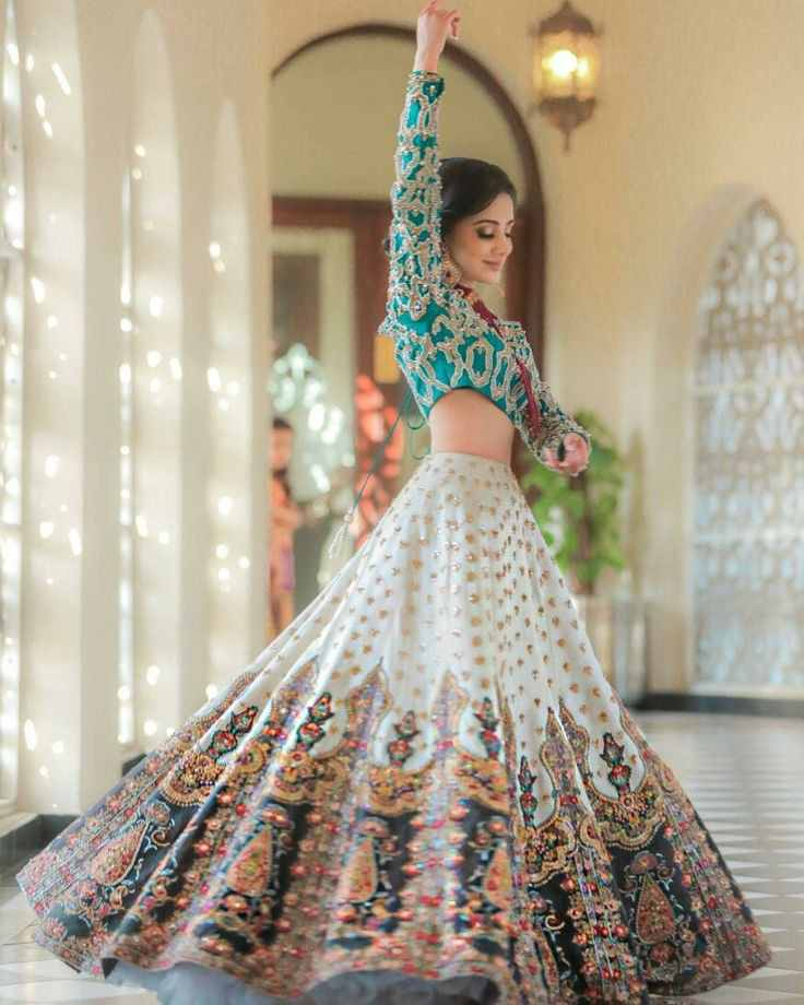 bridal twirl | passtel brides