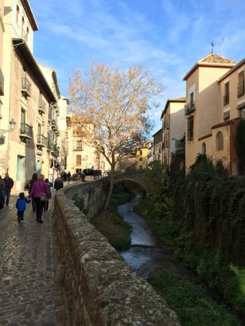 walking along the Rio Darro