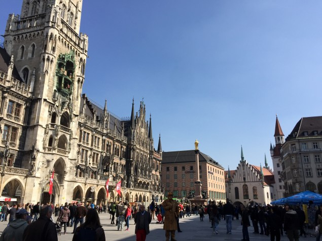 Back at Marienplatz