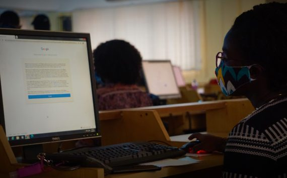 I.T SUPPORT UNIT TAKE FRESHERS THROUGH TUTORIALS ON ONLINE LECTURES