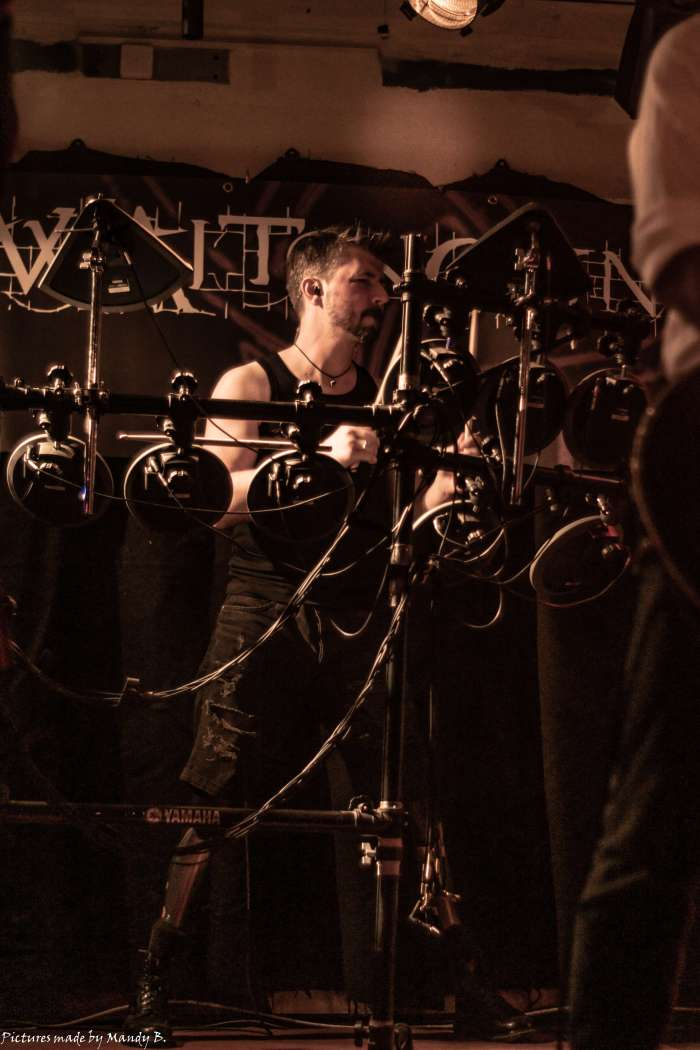 Tim of Waiting in Vain at Club Eule in Dresden on 20 September 2019