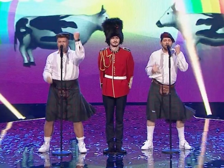 "Lithuania's Twosome perform ""Jaja Ding Dong"" on X Factor Celebrity"