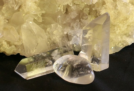 Need Money? Tuck These Crystals in Your Pocket