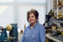 Eleanor Lakelin, Studio Portrait, 2015. Photograph by George Selwyn-Brace