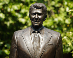 Ronald Reagan statue unveiled at US Embassy in London