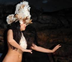 Egzotyczna tancerka z Maui (HAWAJE)