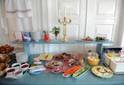 stół śniadaniowy w B&B Nes Gard