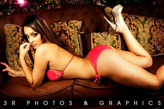 Kim and Kelly Jones5.3Rphotosandgraphics.thewizsdailydose