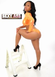 Tia Simone SexyAssLadies.com1.thewizsdailydose