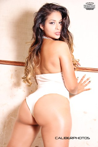 maria-mafer-ramirez-002-caliber-photos-wizsdailydose