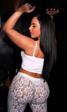 Ashley Logan 009