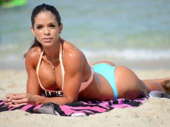 Michelle Lewin 036