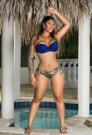 tatted up holly 041