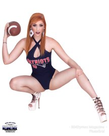 Lauren-Phillips-Football4-ce-wiley-studios---wizsdailydose