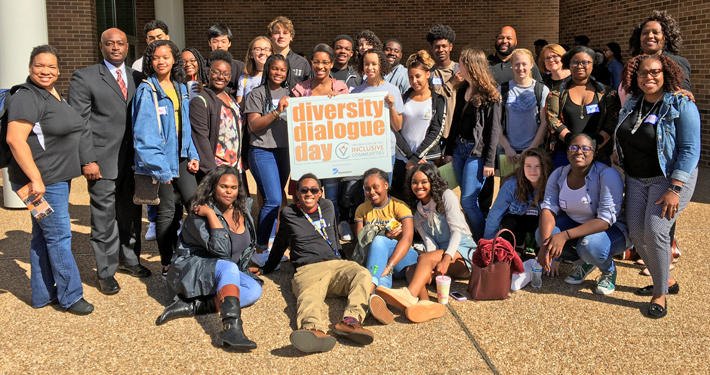 High School Students Participate in Diversity Dialogue Day - Web