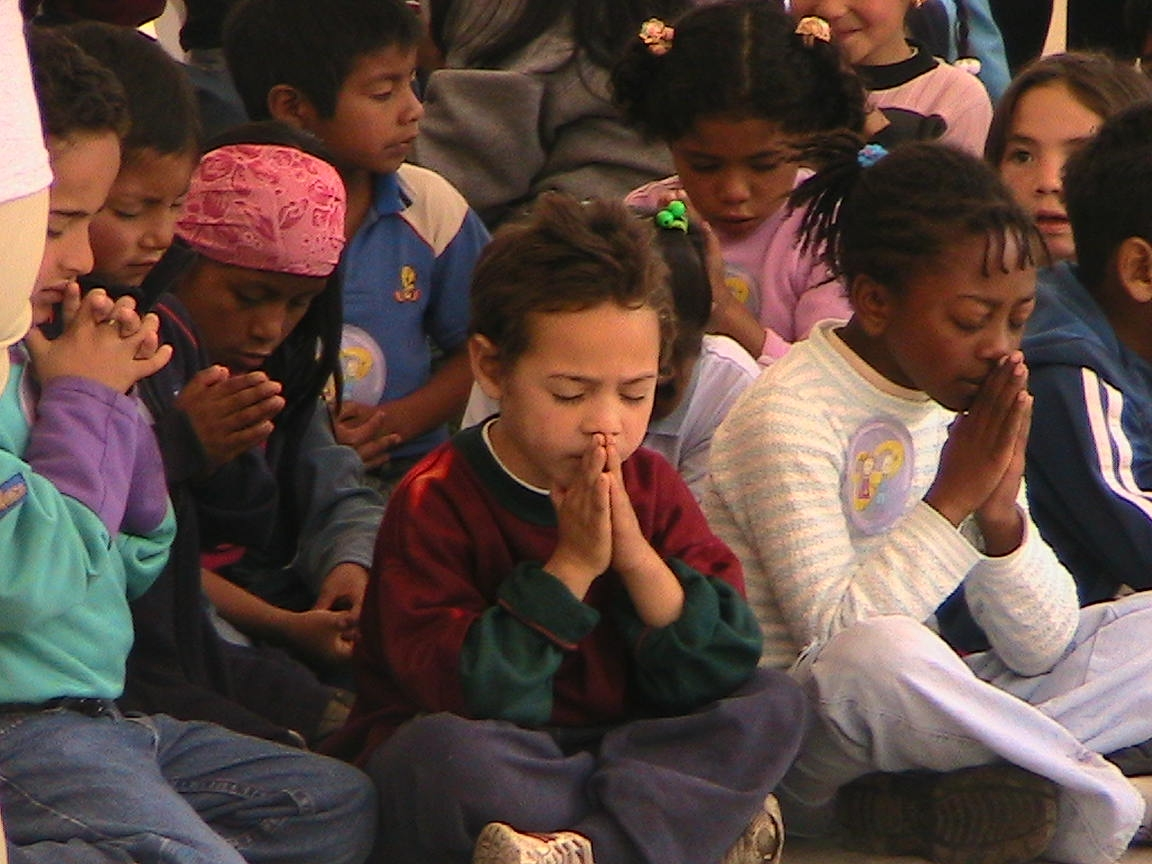 Kids_prayer_ecuador