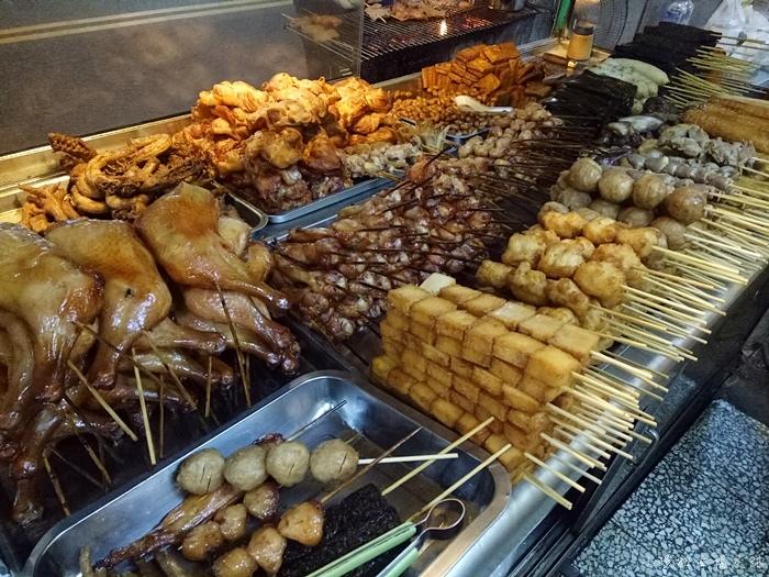【台南宵夜美食】上好烤滷味,中西區滷味小吃,晚來就要排好久 @小環妞 幸福足跡