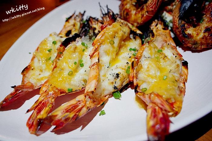 【峇里島美食餐廳推薦(25)】Kisik Bar 海鮮餐廳,岩石酒吧旁,礁岩上的海鮮美食大餐好浪漫!